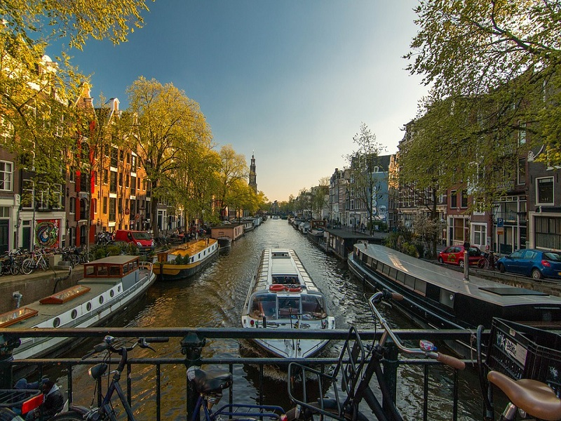 amsterdam-1089646_960_720
