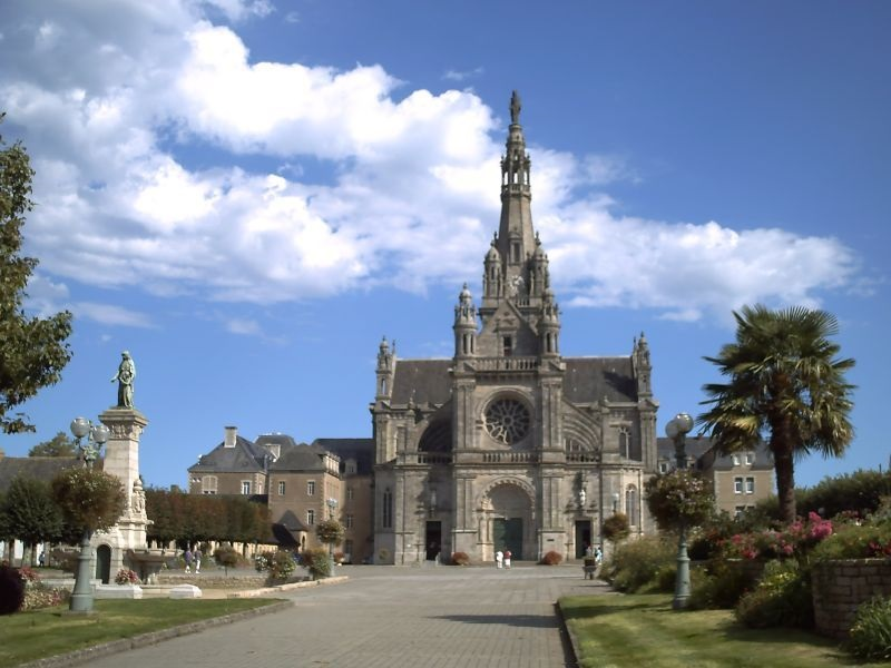Basilique_Sainte_Anne_d'Auray